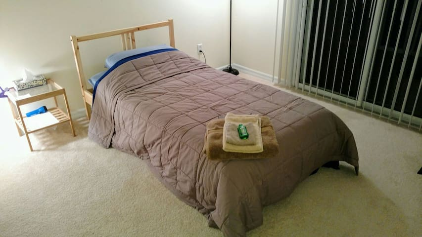 17 mins to MCO/St Cloud/Kissimmee. Private Balcony - Kissimmee - Casa