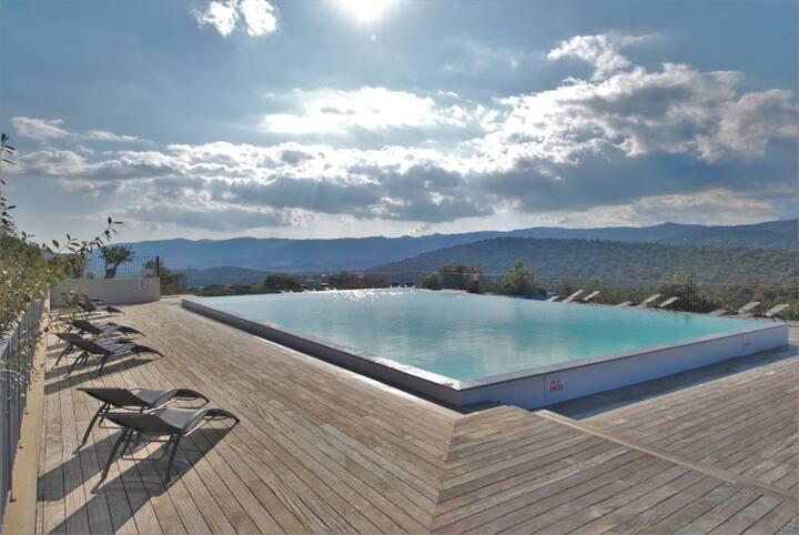 Mini villa en pierres piscine 1km plage