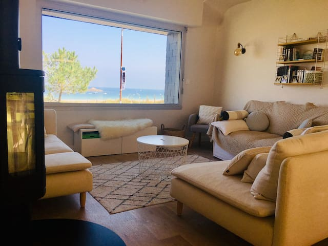 Beautiful seaside villa with garden and bicycles in Sables d'Or