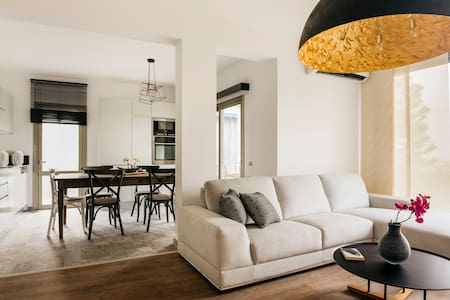 A spacious design flat in a charming development - Lakás