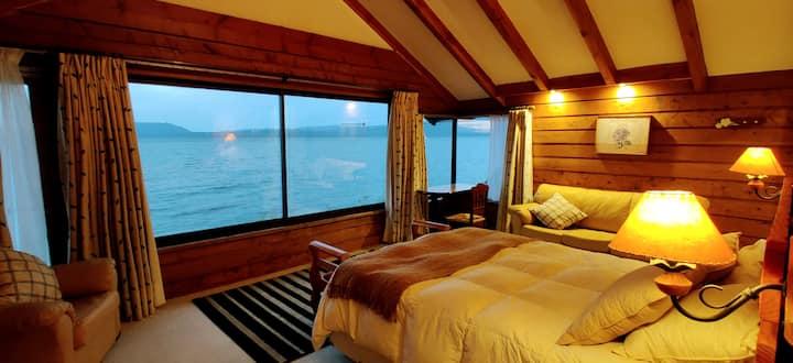 Amplia casa en primera linea de lago Villarrica