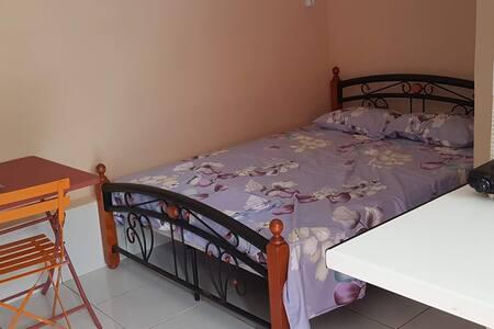 Studio meublé à Barakani