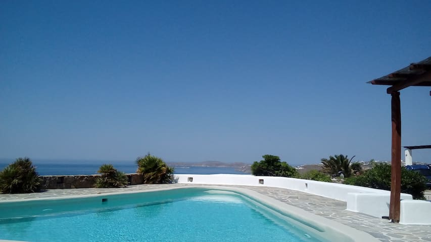 Hesperus - with private pool, near Super Paradise