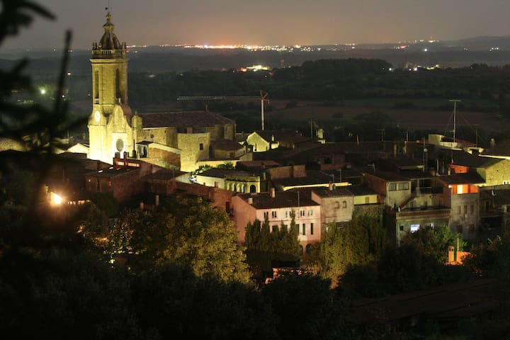 Masia catalana del s.XVIII amb pati