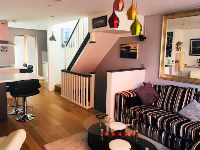 3BDM House in Manchester City Centre:- Up to 8ppl