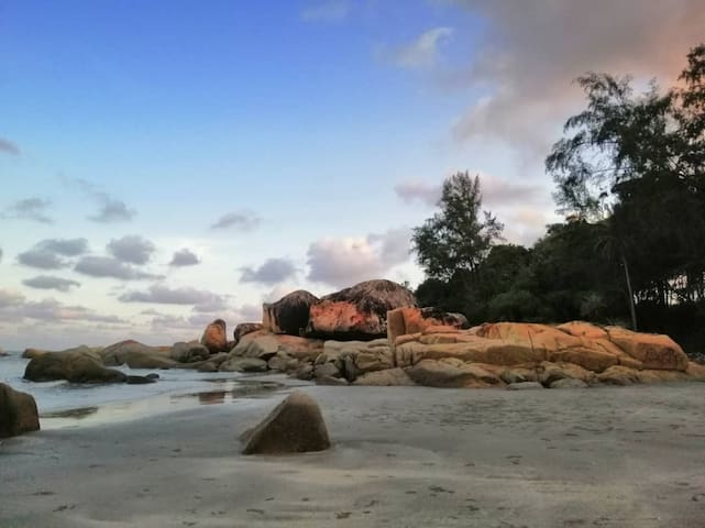 GroundCrew BeachFront Kuantan Homestay