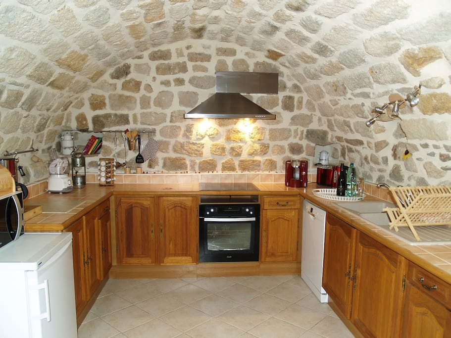 La huppe meubl 4 toiles houses for rent in rosi res for Meuble 5 etoile mnihla
