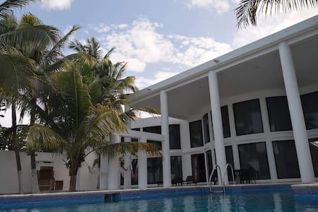 La Casa en Celestun