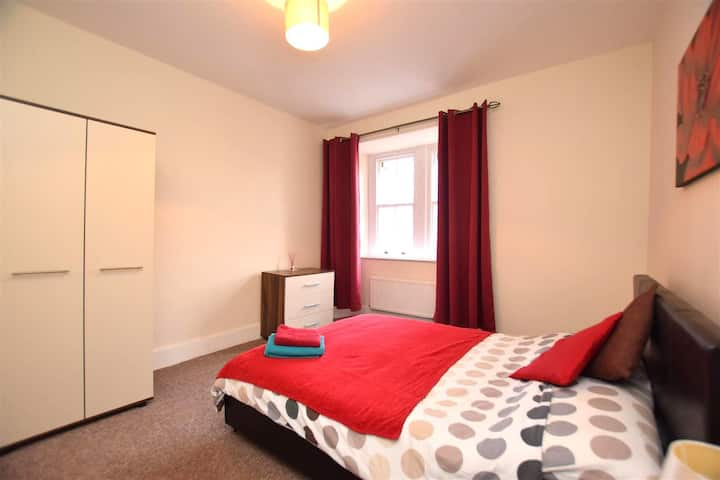 Devonshire Buildings 2 Bed Apartment near to BAE