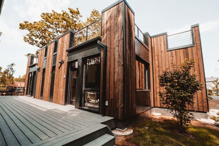 Eco-friendly Micro-dwelling w/ Free Wifi!