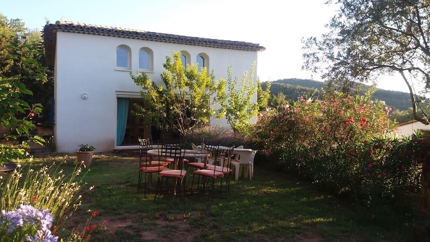 15 mn des plages immense maison calme absolu - La Farlède - Casa