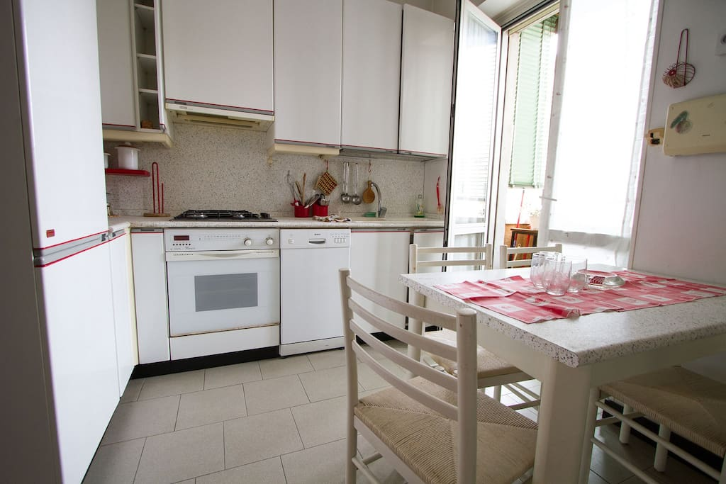 Spacious kitchen with everuthing one need to cook