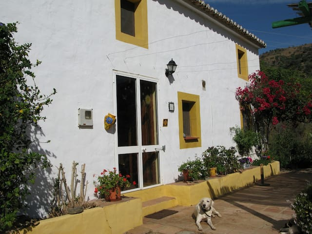 Rural bedroom in Malaga - Casabermeja - Casa