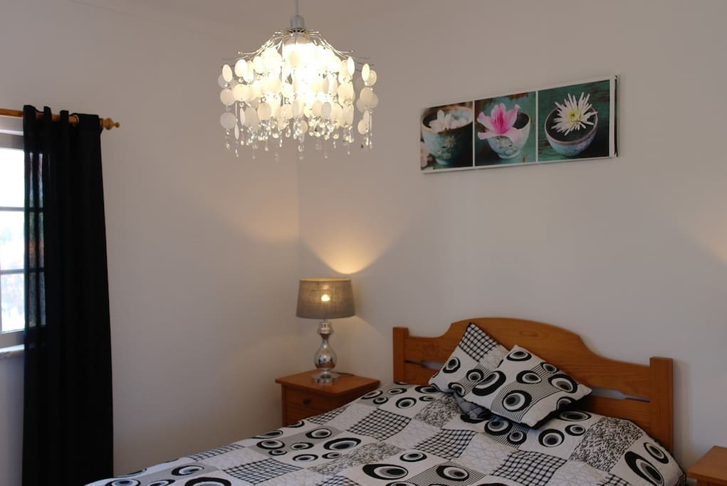 Modern ingerichte slaapkamers. 2-persoonsbed