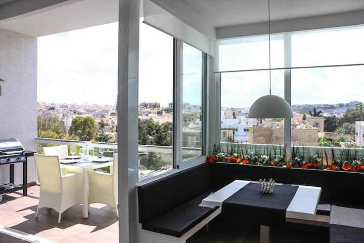 Amazing Penthouse in St Julians   ★ 1min from Bay★