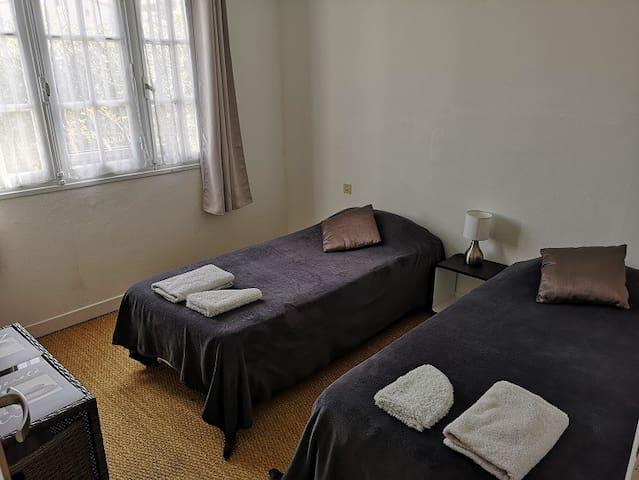 Chambre au calme dans villa à Biguglia (H2)