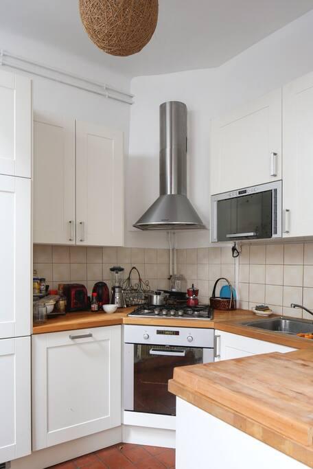 cuisine tout equipée ouverte sur le salon