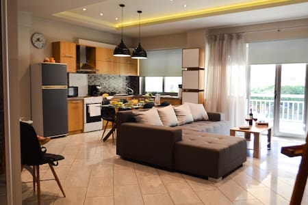 Stylish Downtown Apartment - Alexandroupoli