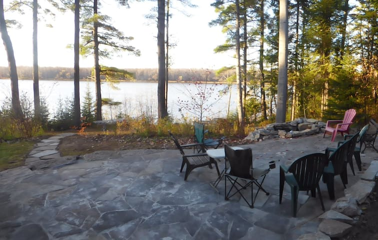 Fabulous Ottawa River Country Home - Ottawa - Huis