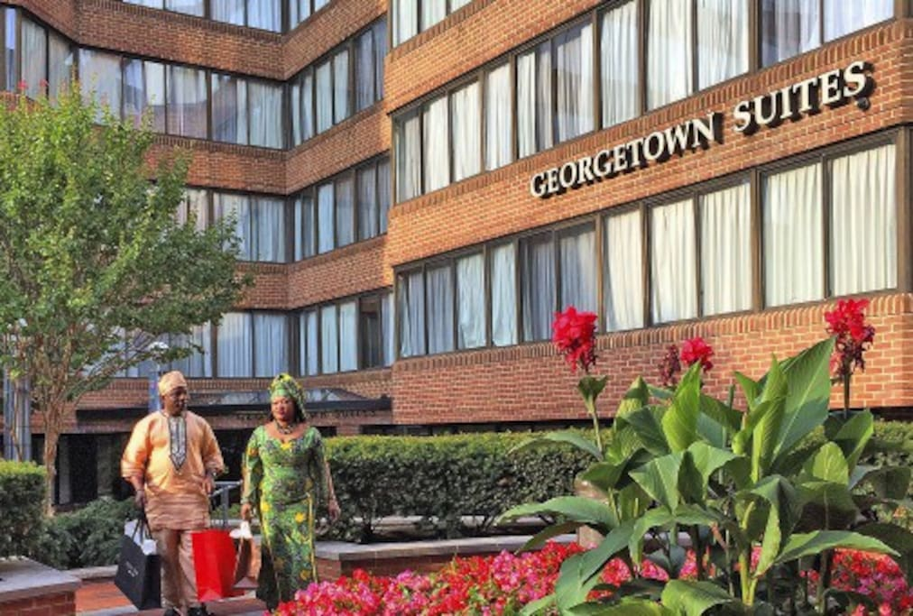 Georgetown Suites is located in the heart of Georgetown, convenient to shopping.