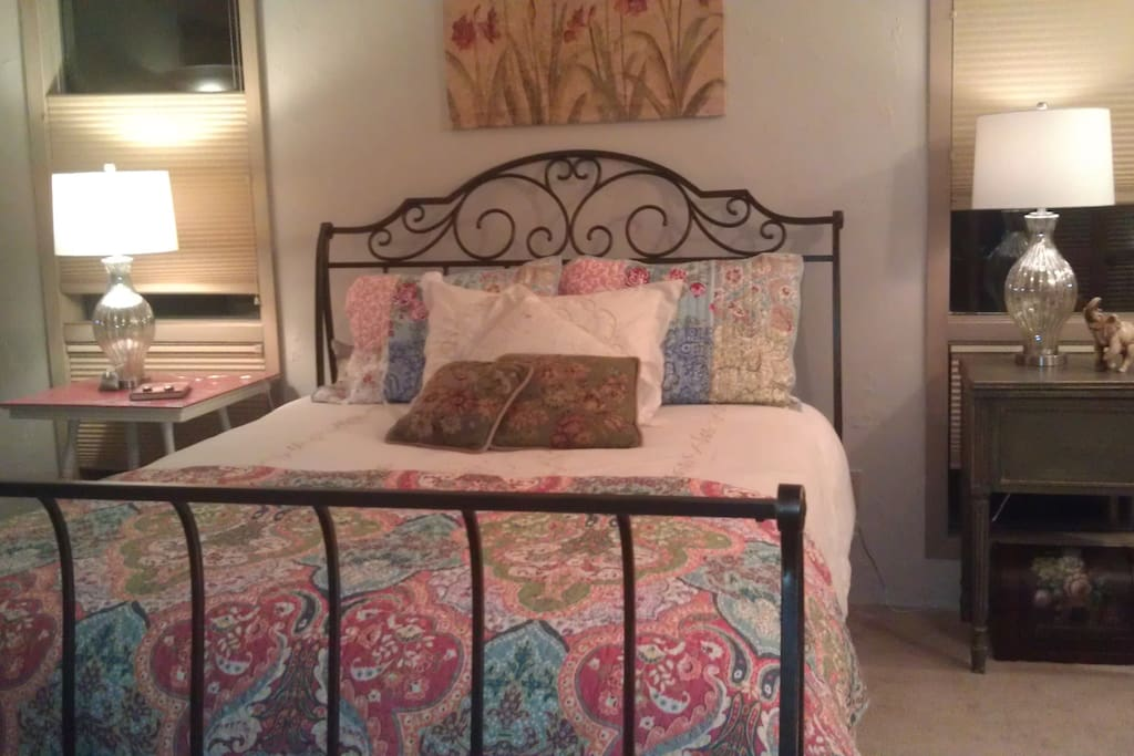 Lola Suite-- Large bedroom with adjacent bathroom.  Room for inflatable twin bed for children ($25 extra each person over 2)