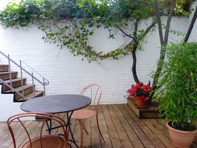 Lovely B&B+private bath Best area - Saint-Gilles - Bed & Breakfast