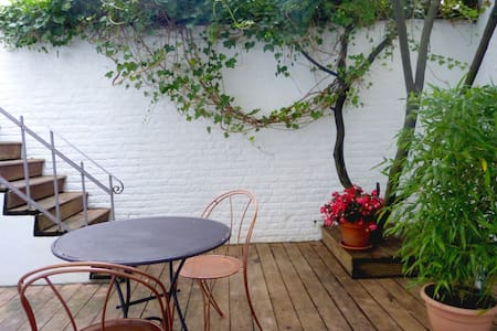 ♥Lovely B&B+private bath♥ Best area - Saint-Gilles - Bed & Breakfast