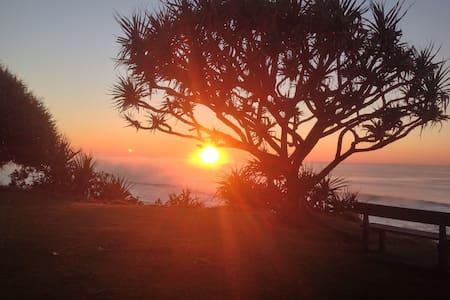 DnD's @ CORINDI BEACH  Solo Traveller & Couples