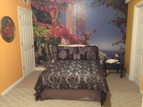 Mediterranean Vista - Room w/private entry/access.