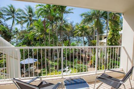 Ocean Views, 1 Bedroom Beachfront Apartment