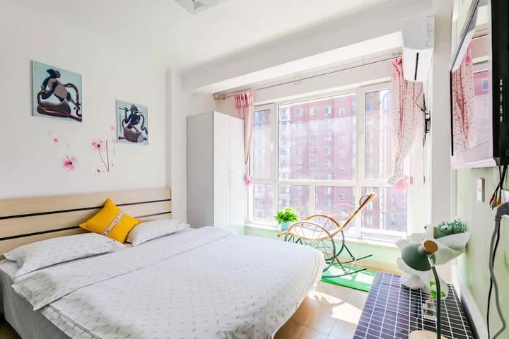 博大雅居家庭式民宿,日租/短租,可做饭,近万达广场,渤海大学西门。