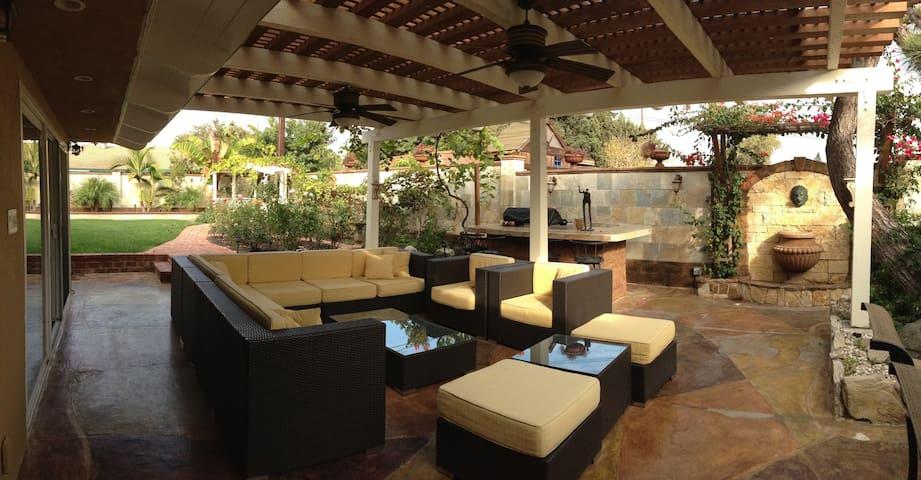 Gorgeous guest house+outside living - Santa Ana