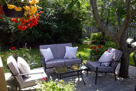 Well Cared-For Home, City Centre - Mississauga - Mississauga - Talo