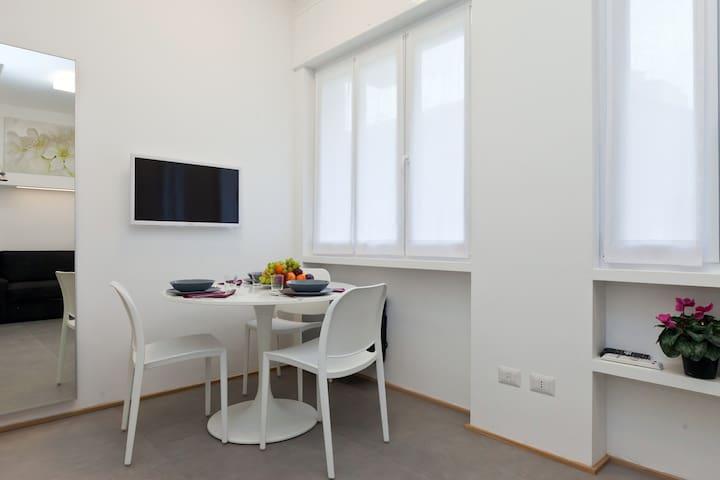 New Elegant Studio in Porta Romana