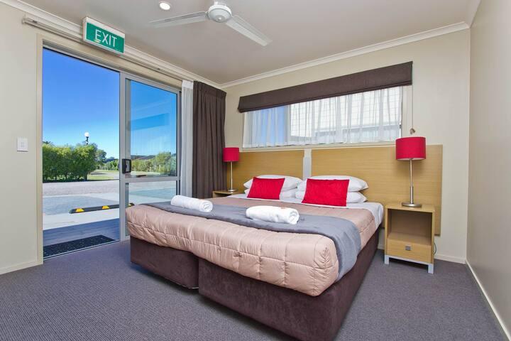 4 Bedroom Accessible Villa (Pacific Park Camp)