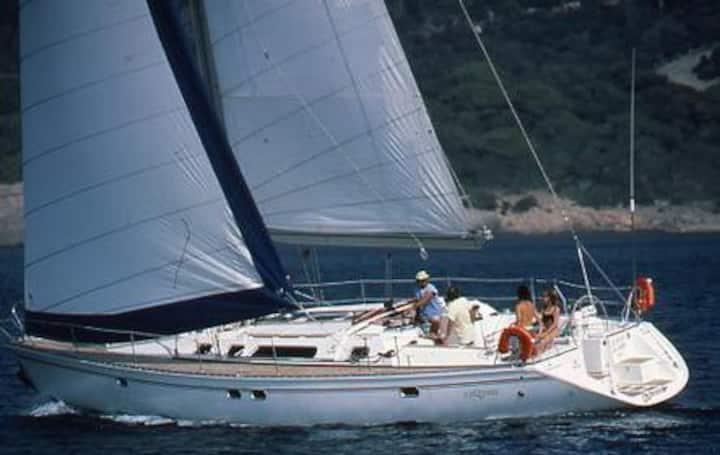 Un velero para dormir sobre el mar