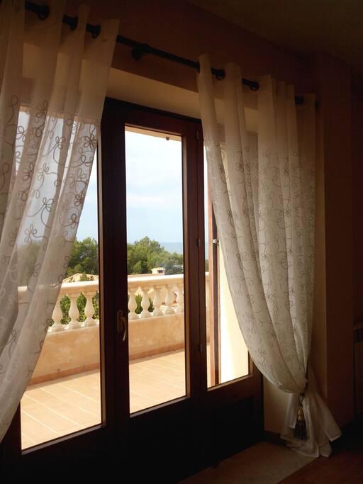 chambre avec salle de bain particuli re maisons louer illes balears illes balears espagne. Black Bedroom Furniture Sets. Home Design Ideas