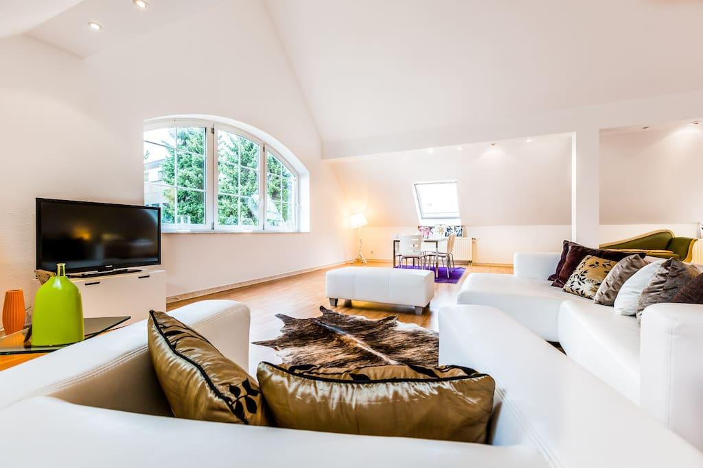 penthouse for messe cologne or dus h user zur miete in k ln nordrhein westfalen deutschland. Black Bedroom Furniture Sets. Home Design Ideas