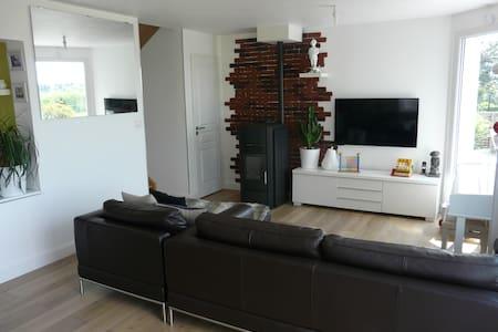 Proche Annecy - ch 2 pers Maison design + PDJ - Viuz-la-Chiésaz - Huis