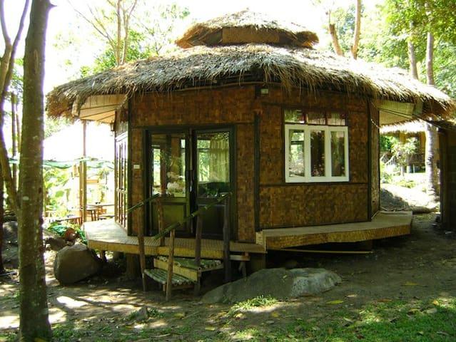 ฺBannumhoo Homestay Resort (Family Hut) - Tambon Wiang Tai - House