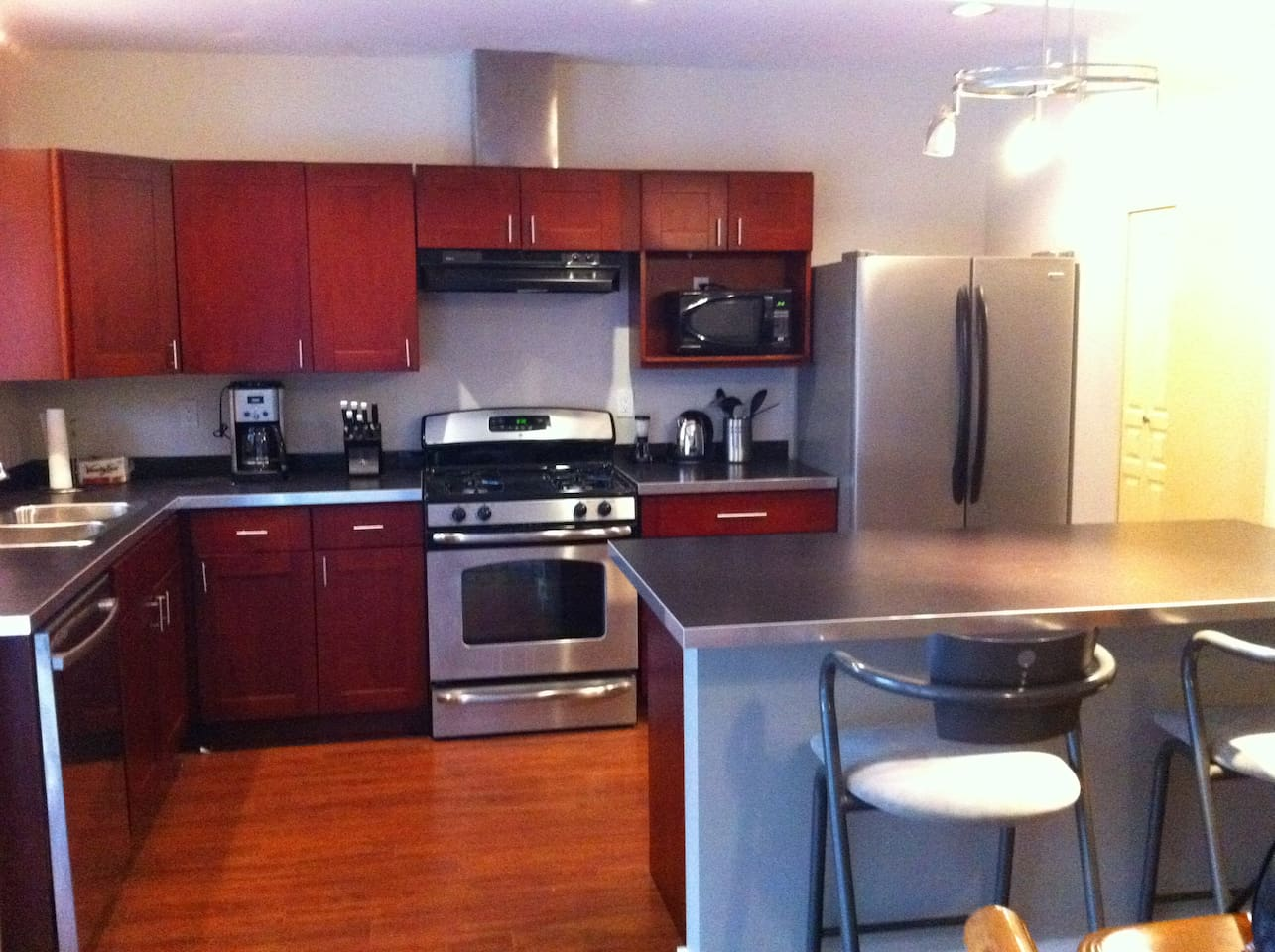 fully equipped Kitchen includes gas range and dishwasher!