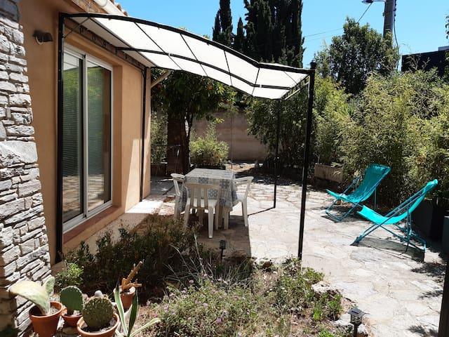 Logement en rez-de-jardin, proche Toulon, Hyères