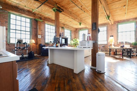 Artsy River Loft Near Downtown - Detroit - Loftlakás