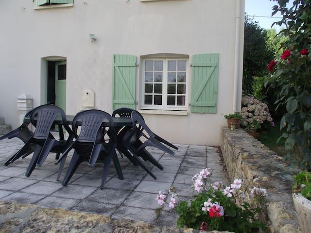 Chambre pour 1 ou 2 personnes - Mareuil-sur-Lay-Dissais - Casa