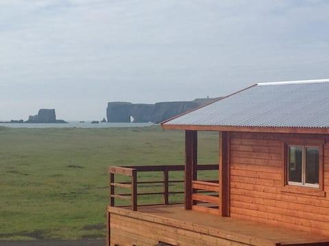 Cottage at Reynisfjara / beach nr 1