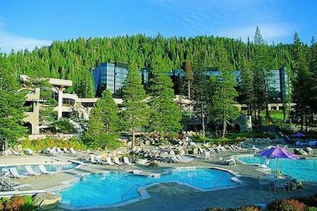 Beautiful Resort at Squaw Creek - Olympic Valley - Apartamento