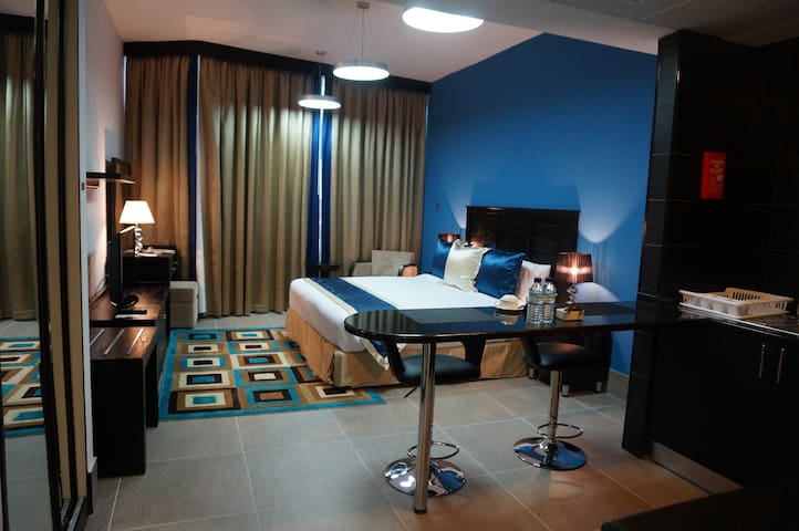 Studio-Awesome Apartment n AbuDhabi (Room A)