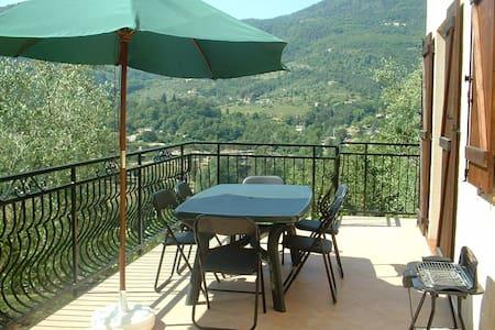 Location vacances jolie 2 pièces Sospel dans villa - Sospel - Apartment