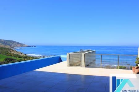 Villa d'architecte pieds dans l'eau - Tanger - Hus