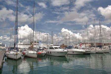 Boat & Breakfast, sleeping on water - Livorno - Bateau